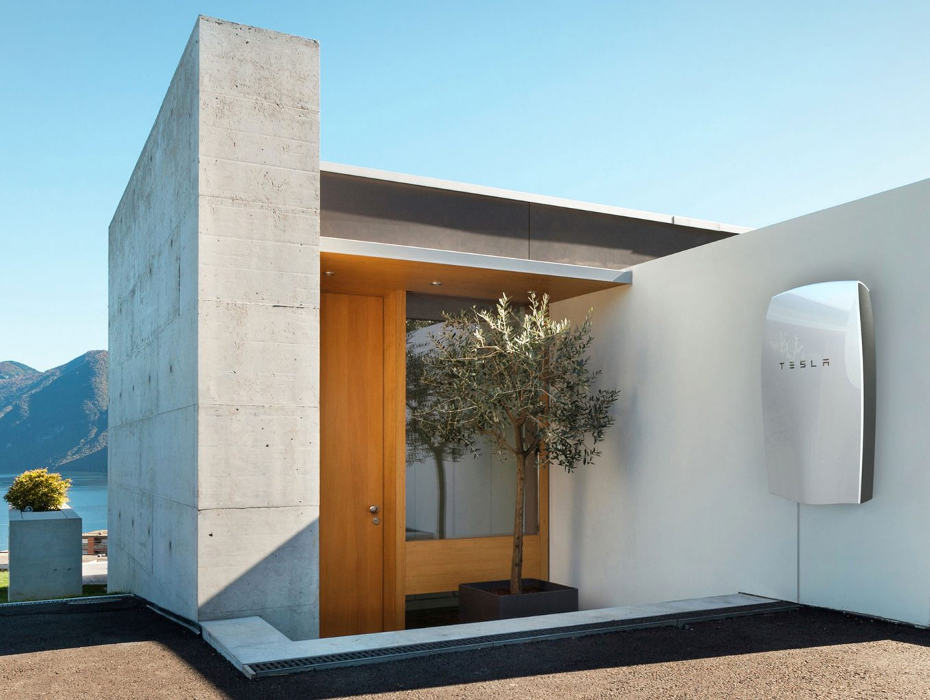 Tesla Powerwall –   Not Ready for Prime Time as a Backup Solution